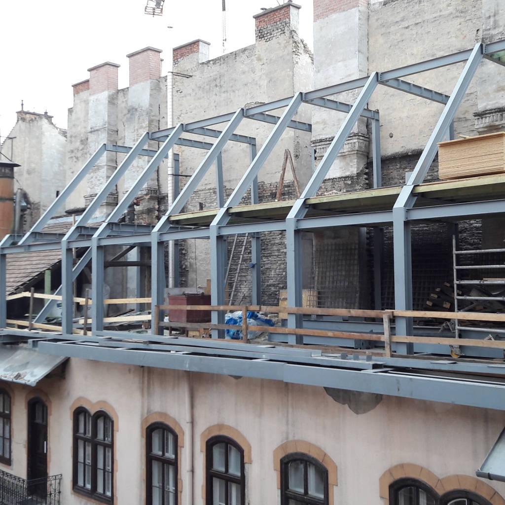 Tetőszerkezet szerelése Budapesten a Jókai utcában