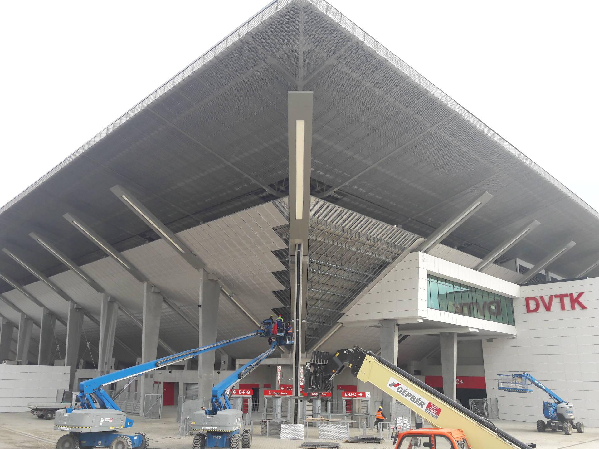 dvtk-stadion-acelepitok-konzol-metal-slider