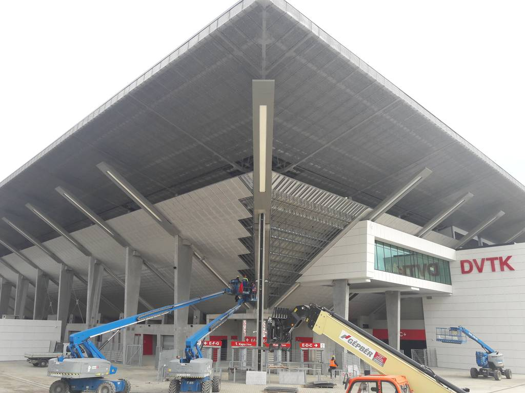 dvtk-stadion-szereles-acelepitok-konzol-metal-12