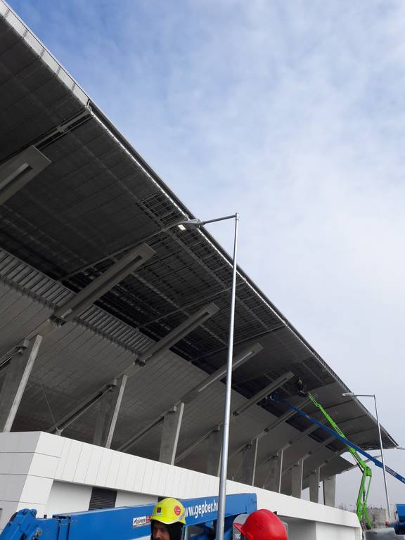 dvtk-stadion-szereles-acelepitok-konzol-metal-16
