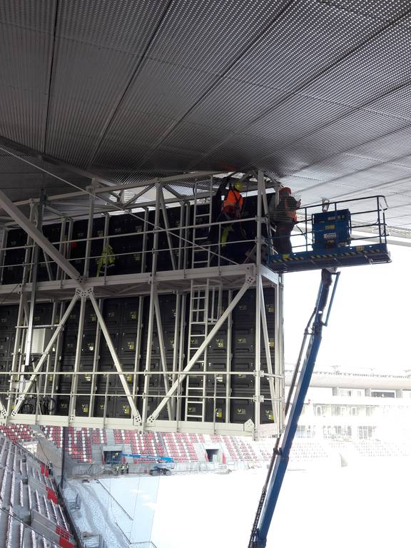 dvtk-stadion-szereles-acelepitok-konzol-metal-23