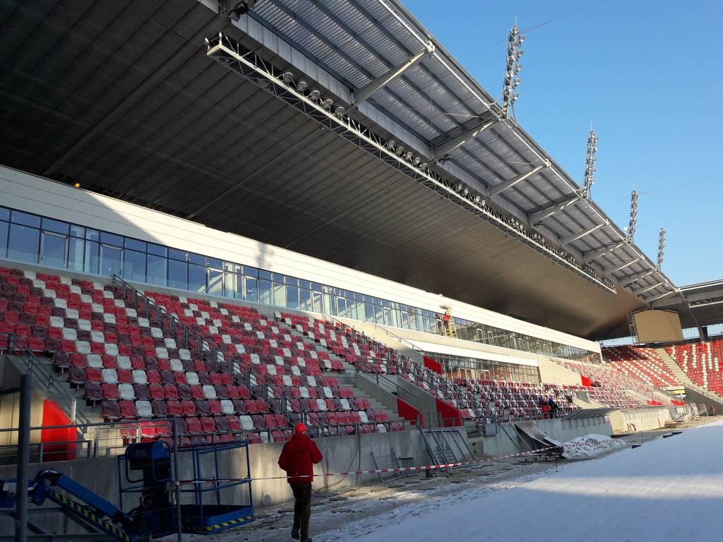 dvtk-stadion-szereles-acelepitok-konzol-metal-25