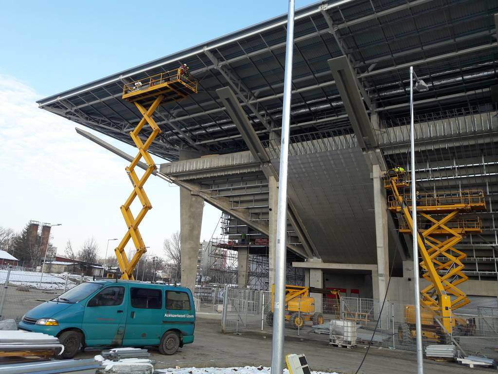 dvtk-stadion-szereles-acelepitok-konzol-metal-27