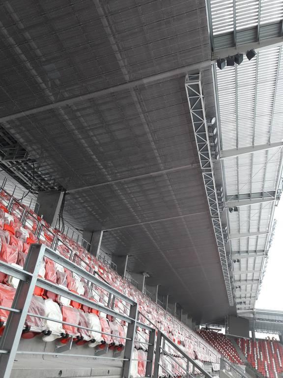 dvtk-stadion-szereles-acelepitok-konzol-metal-30