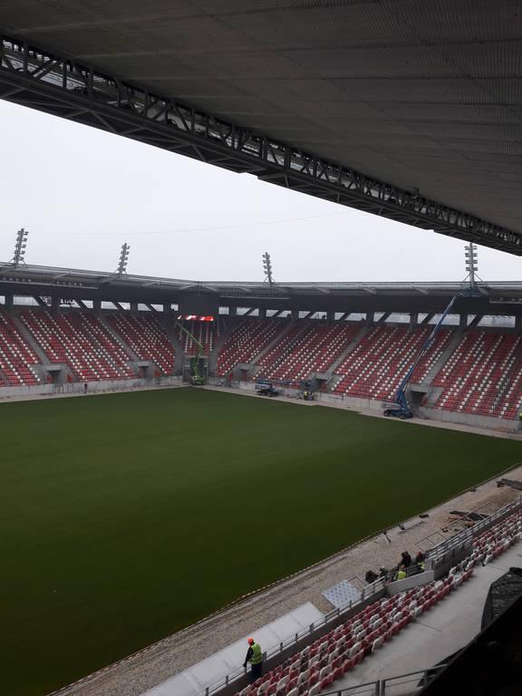 dvtk-stadion-szereles-acelepitok-konzol-metal-35