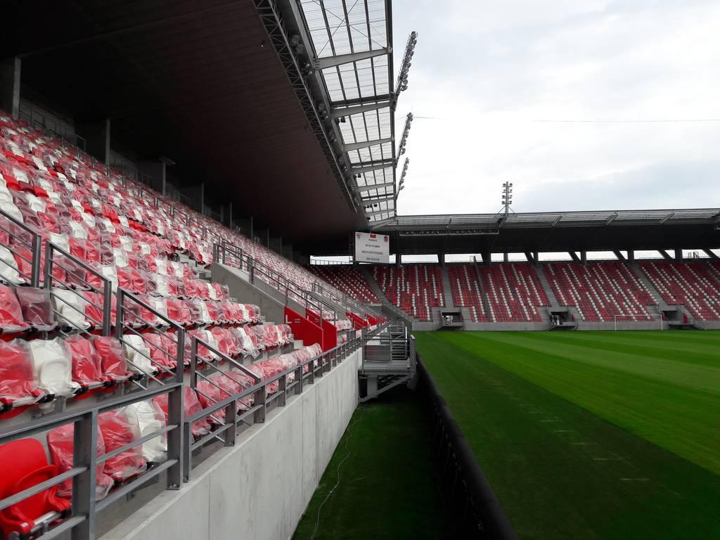 dvtk-stadion-szereles-acelepitok-konzol-metal-5